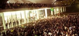 Manifestantes ocupam ocupam rampa e cúpula do Congresso Nacional, em Brasília